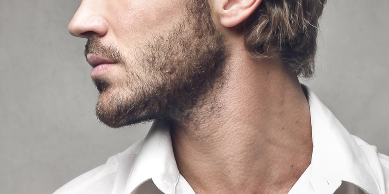 Bart trimmen: Die Halslinie